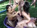 Velká holčičí lesbická párty - freevideo