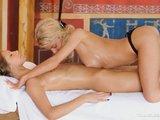 Lesbická kratochvíle během smyslné masáže - freevideo