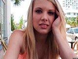 Božská blondýnka se hezky uvolní za peníze - freevideo