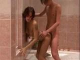 Slastné divadýlko v koupelně - freevideo
