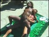 Sexy čokoládka přijímá pod obojím - freevideo