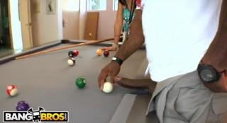 RICO ukáže ZOEY HOLLOWAY své velké tágo - freevideo