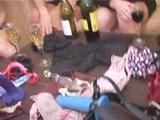 Sexy kundy se omrdávají falešnými čuráky - freevideo