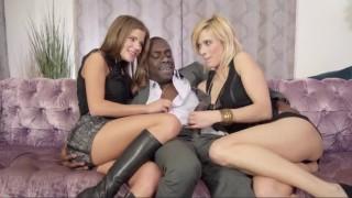 Černý péro v taxíku - freevideo