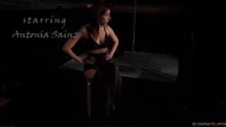 Svázaná a zprzněná kundička - freevideo