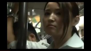 Mrdačka v plném autobusu - freevideo