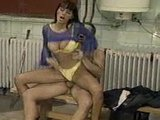 Anita oprcaná Francouzem na veřejných hajzlíkách - freevideo