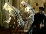 Kněz vyšuká sestřičku, ale netuší, co přijde pak - freevideo
