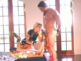 Dvě blonďaté otrokyně splní svému Pánovi každičké přání - freevideo