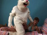 Velikonoční králíček ošuká kozatou českou hvězdu - freevideo