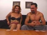 Zkušená tranny dělá svému milenci nekonečně dlouhý orál - freevideo