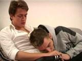 Extrémní průtah-kluk má v zadku dva penisy - freevideo