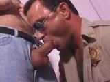 Policejní piloti uměj lítat stejně dobře jakou kouřit péra - freevideo