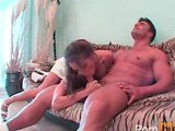 Necudná sestřička si užívá divokou akrobatickou šukačku - freevideo