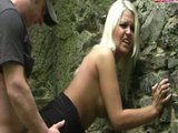 Náhodné setkání v lese se promění na křest čerstvým spermatem - freevideo