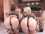 Blonďaté prdelaté lesbičky v podvazkách - freevideo