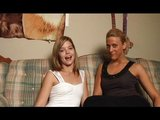 Mladý kamarádky si vylížou pekáče - freevideo