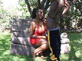 Prsatá černoška a její vybavenej kamarád - freevideo