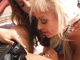Lesbick� orgie nadr�en�ch kamar�dek ze st�edn� - freevideo