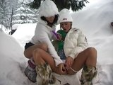 Český lesbičky si užijou na sněhu - freevideo