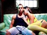 Dokonalá sexbomba vyžaduje také dokonalé přefíknutí - freevideo