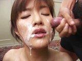 Štíhlá Asiatka si vychutná 20 plnotučných výstřiků - freevideo