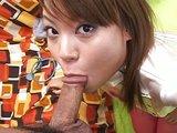 Japonská sestřička poskytuje pacientu komplexní péči - freevideo