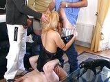Blond panička je závislá na přísunu spermatu - freevideo