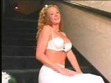 Perverzní nevěsta si nechá pocákat obličej a jazýček - freevideo